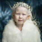 Үс альбинос-дьүөгэлэртэн биирдэстэрэ